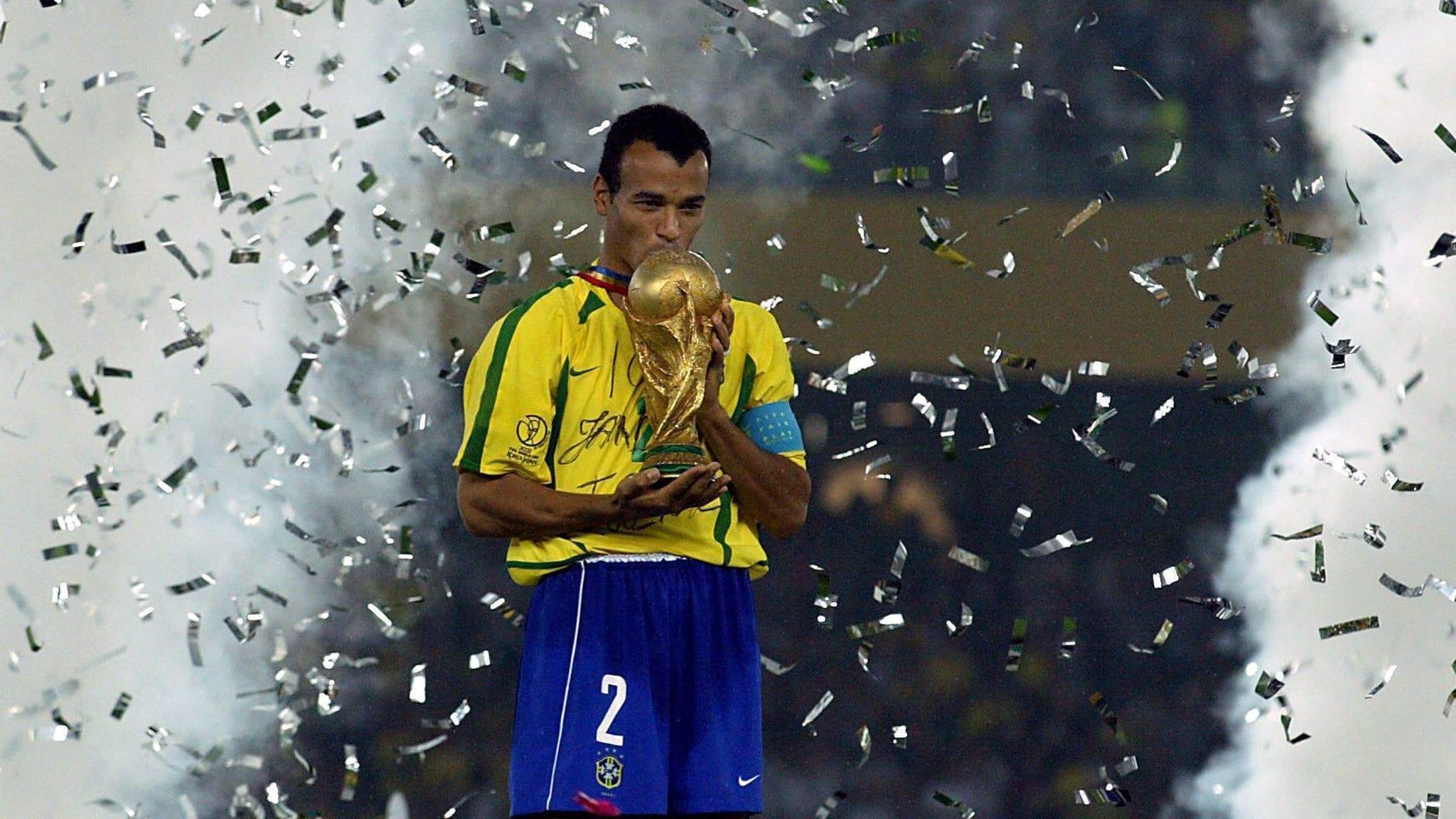 Copa Mundial de la FIFA 2002 ™ - Noticias - Cafú: Ronaldinho fue casi notable