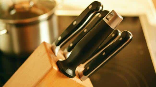 Equpate con los mejores cuchillos y utensilios para tus barbacoas y festines