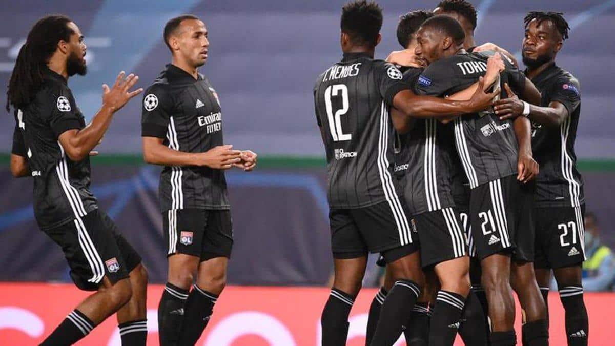 Francia euforica por la calificacion del Lyon y el PSG