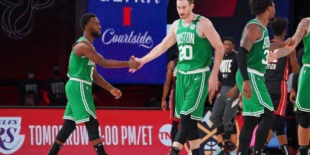 Boston Celtics Miami Heat Los jugadores de Boston recibieron