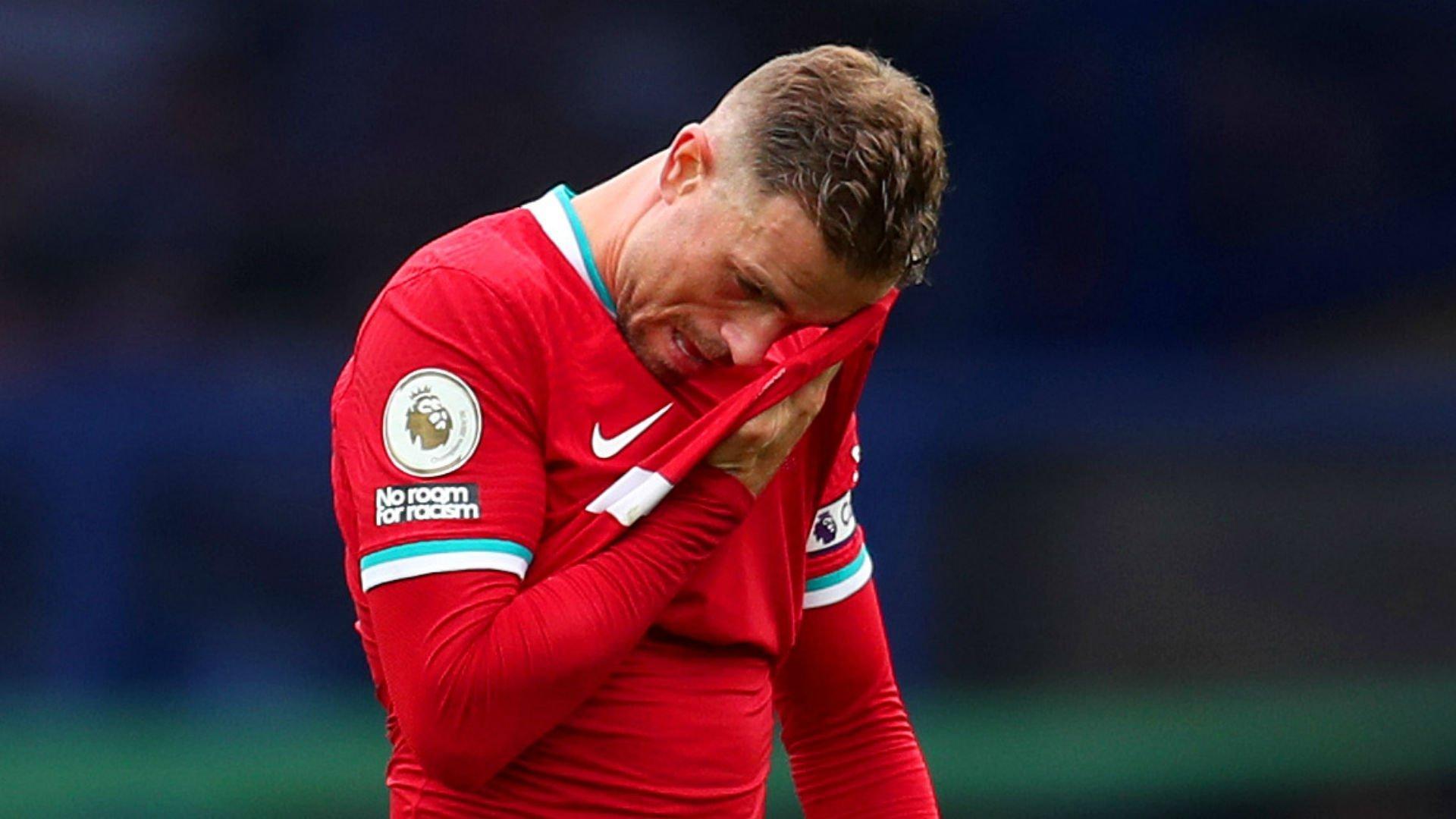 Liverpool se fue maldiciendo al VAR cuando a Jordan Henderson