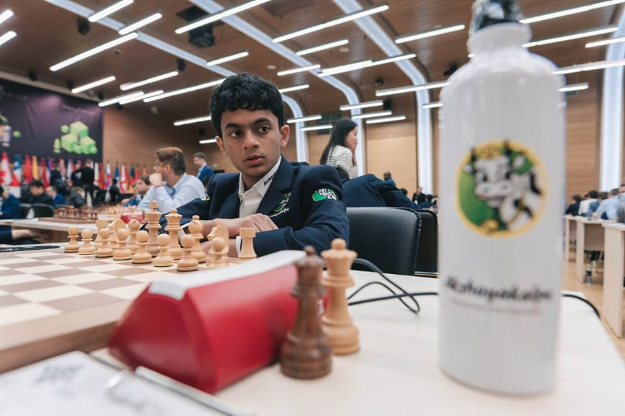 Nihal Sarin gana el campeonato de ajedrez online Junior Speed