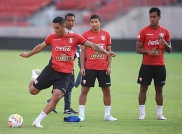 Chile y Peru ya tienen listos los titulares para jugar