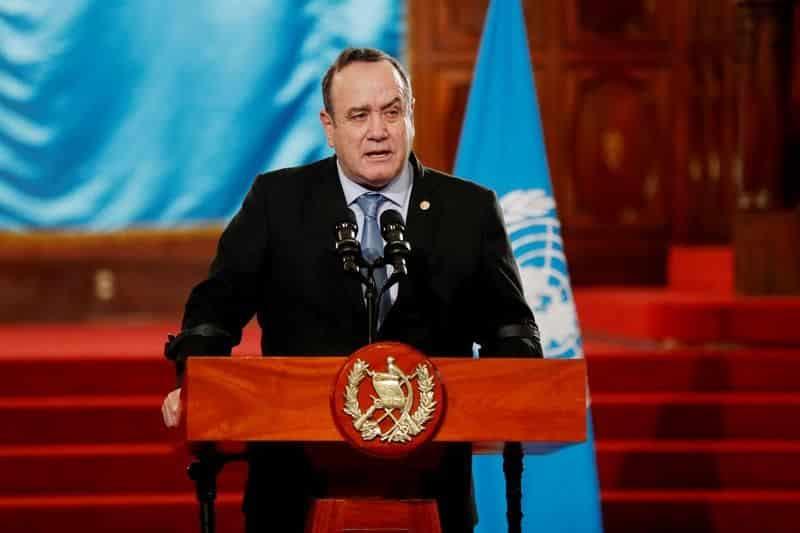 El presidente de Guatemala asciende a viceministro como su titular