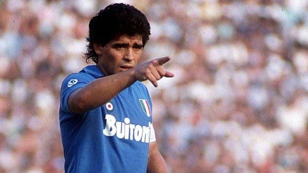 Por esto Maradona es Dios en Npoles sus hipnotizantes mejores