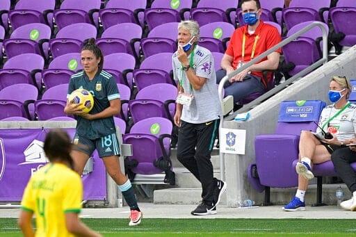 Marta anota mientras Brasil derrota a Argentina 4 1