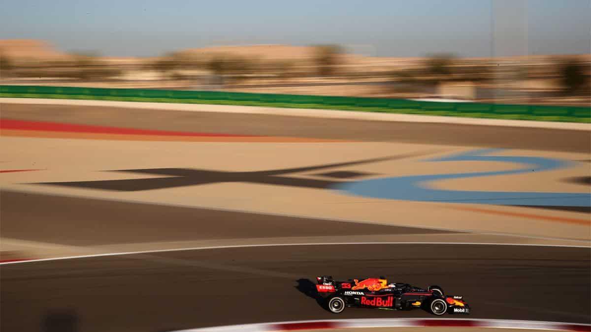 Quien empezara mejor Mercedes o Red Bull