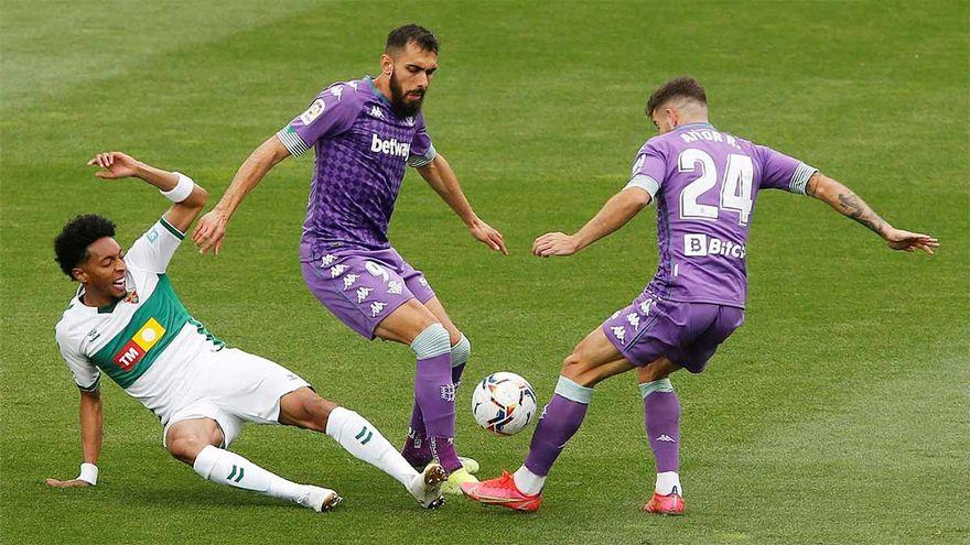 Resumen y goles del Elche Betis 1 1 partido de la jornada