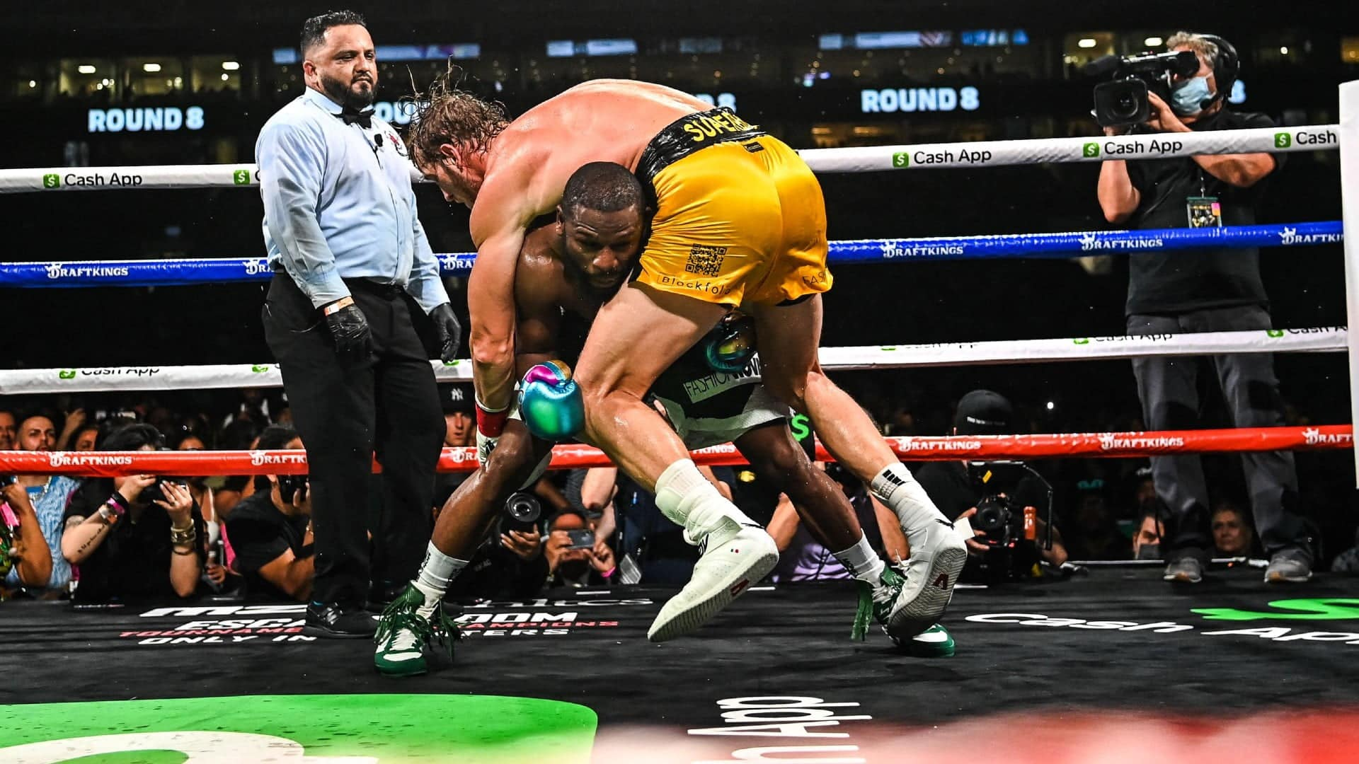 Floyd Mayweather vs Logan Paul results Paul goes the distance