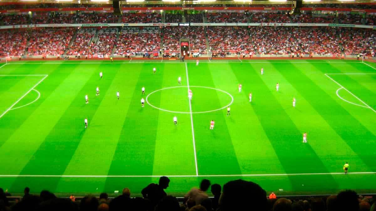 Ver en vivo y gratis Barcelona vs Real Madrid Leyendas