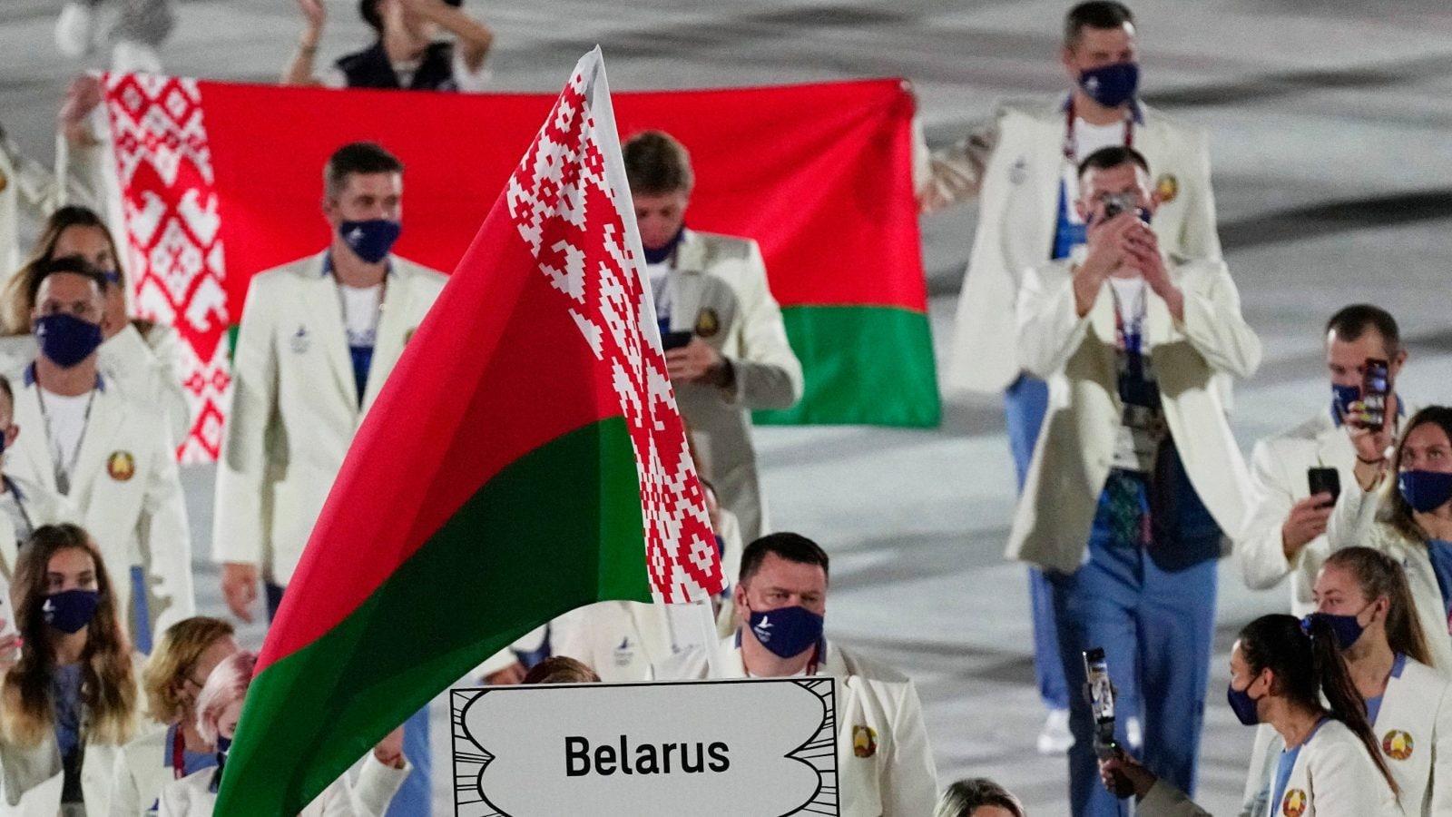 La corredora de Bielorrusia alega que el equipo olimpico intento
