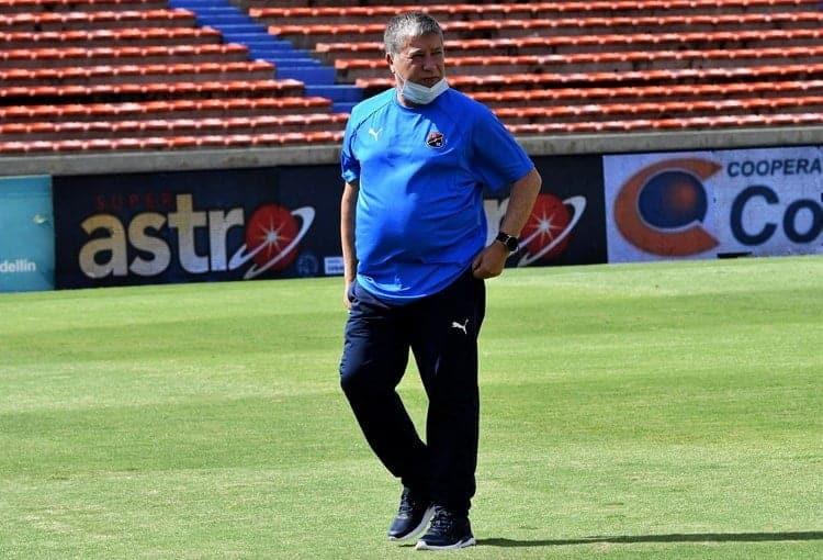 Bolillo Gomez renuncio a la direccion tecnica del DIM