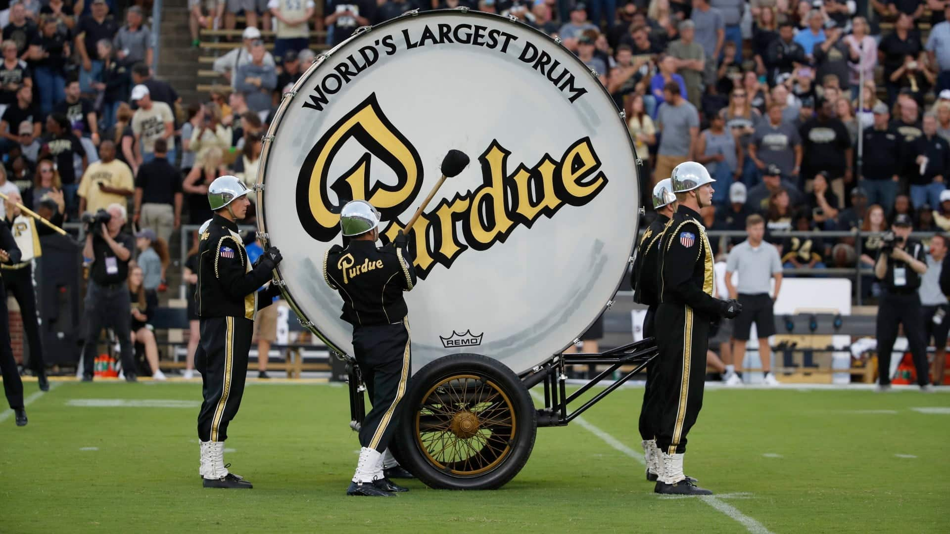 El tambor mas grande del mundo de la banda Purdue