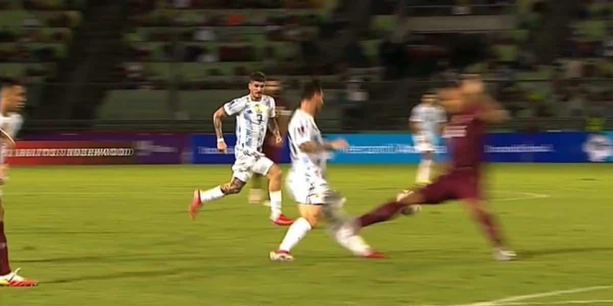 Scaloni admite que se asusto con Messi