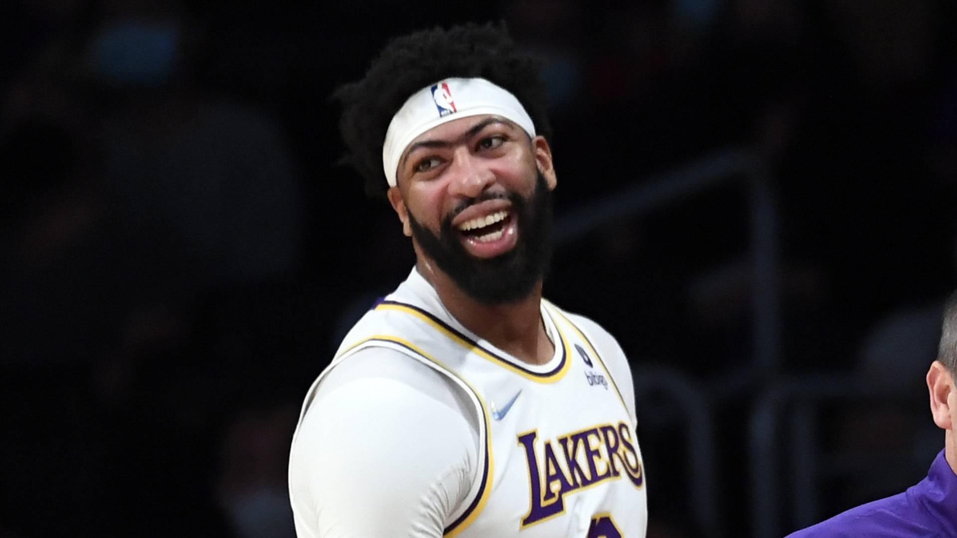 Las esperanzas de campeonato de los Lakers con un nuevo